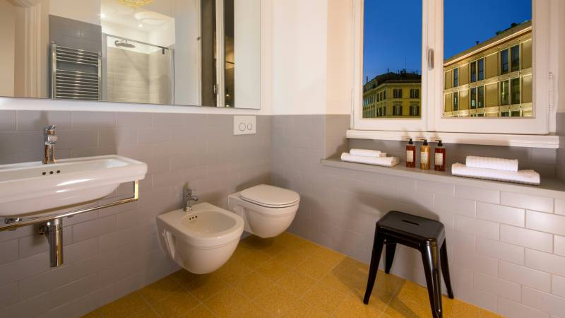 Belli-36-Rooms-Roma-bathroom-3